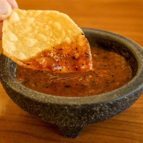 Receta-Prepara-una-deliciosa-salsa-de-miltomate-y-chile-pasilla-con-solo-4-ingredientes 27/05/20