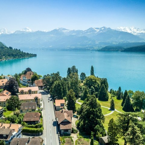 suiza-ofrece-70-mil-dolares-vivir-familia-27-de-julio-2020