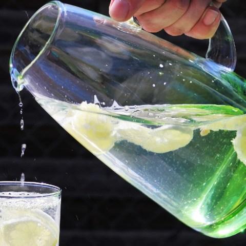 Jarra del bien beber: Qué es y por qué es recomendada en niños