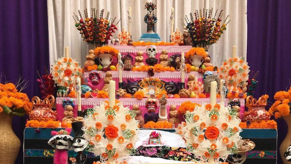 comida-ofrenda-altar-dia-de-muertos