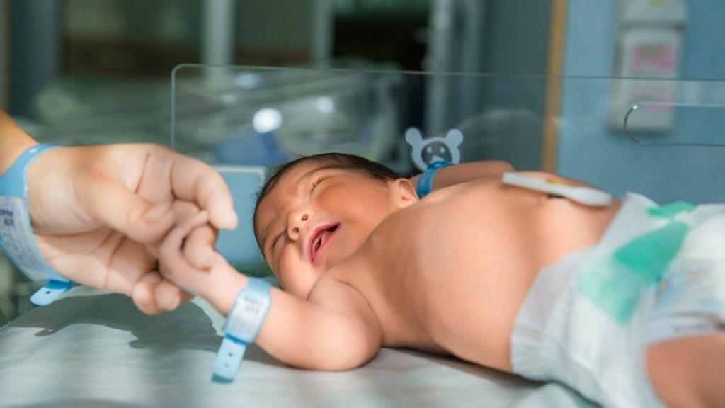 bebé con anticuerpo contra Covid-19