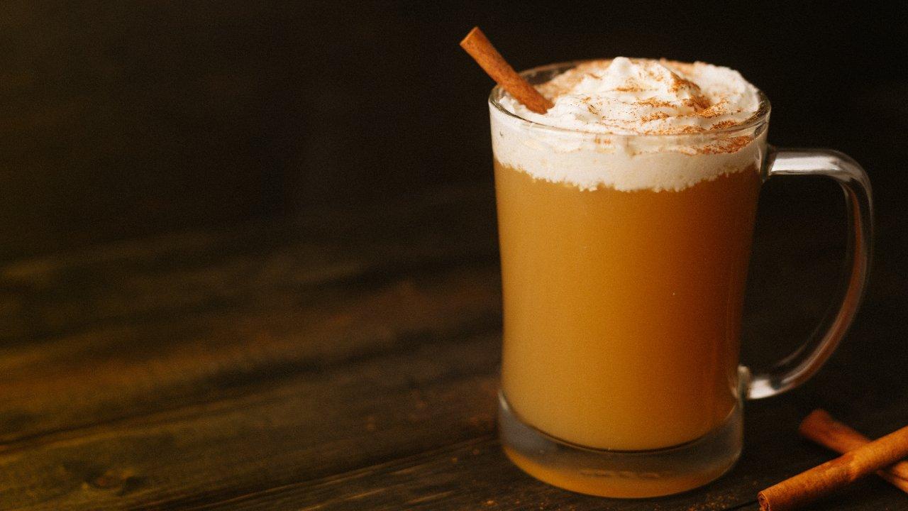 eggnog bebida fría y deliciosa