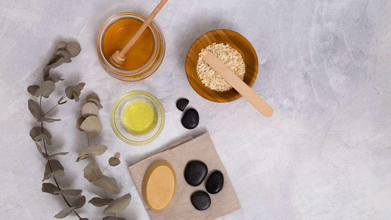 ingredientes para jabón casero de miel y avena