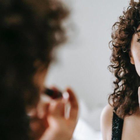 Cómo identificar el maquillaje clon