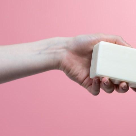 cómo hacer jabón líquido para manos económico con Zote receta