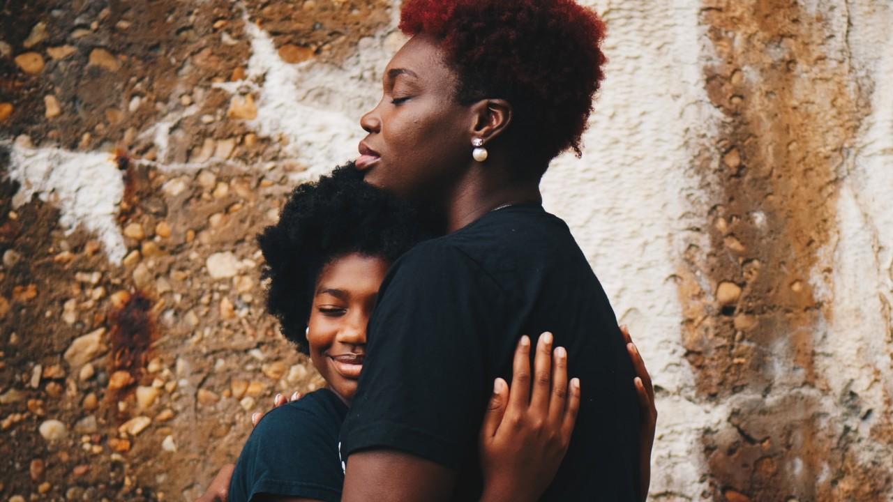 Obligarlo o dejarlo ser? Qué hacer cuando tu hijo adolescente no quiere  hablar contigo - Viviendo En Casa