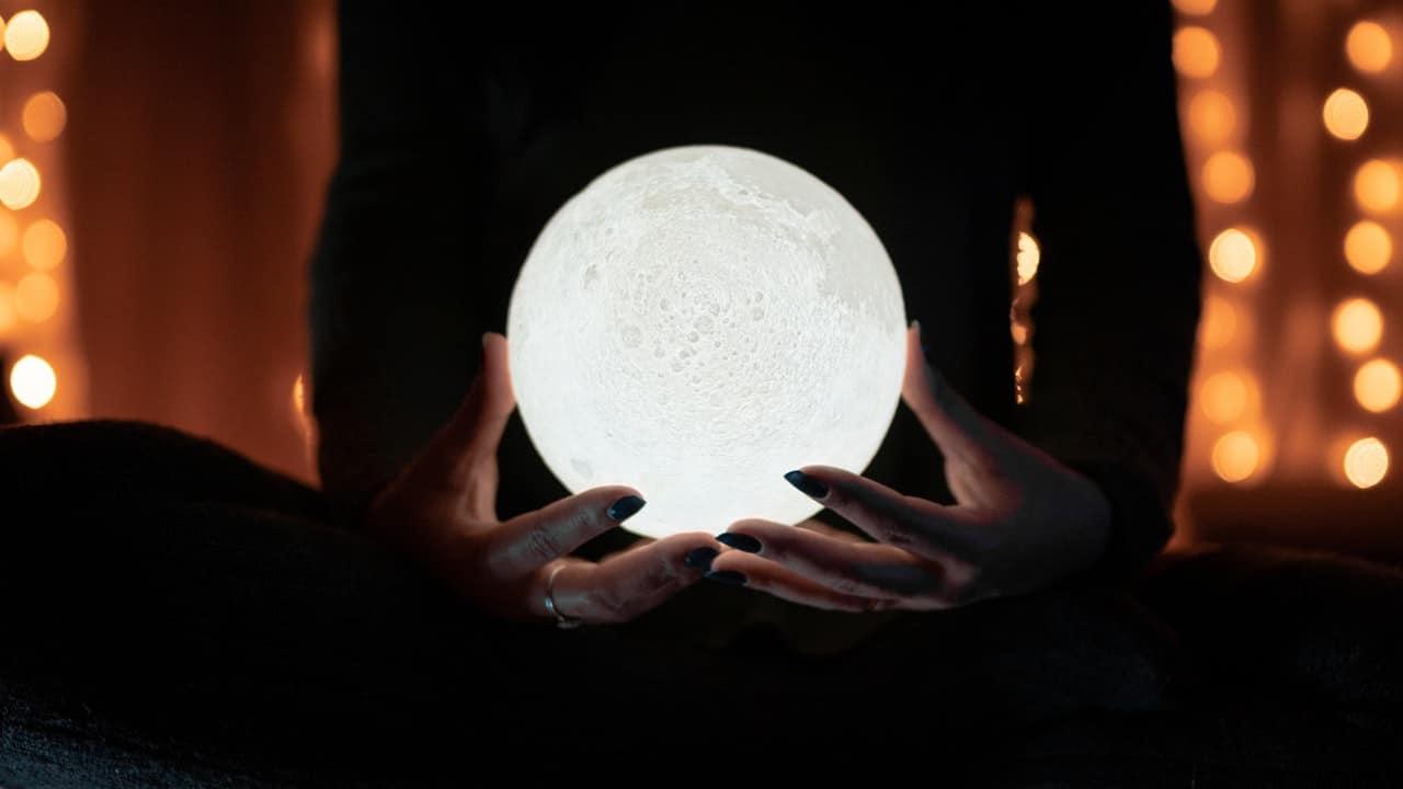 luna de gusano rituales abundancia horóscopo