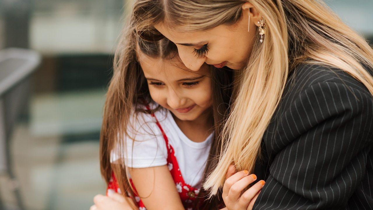 formas en las que un niño revela que necesita cariño y amor