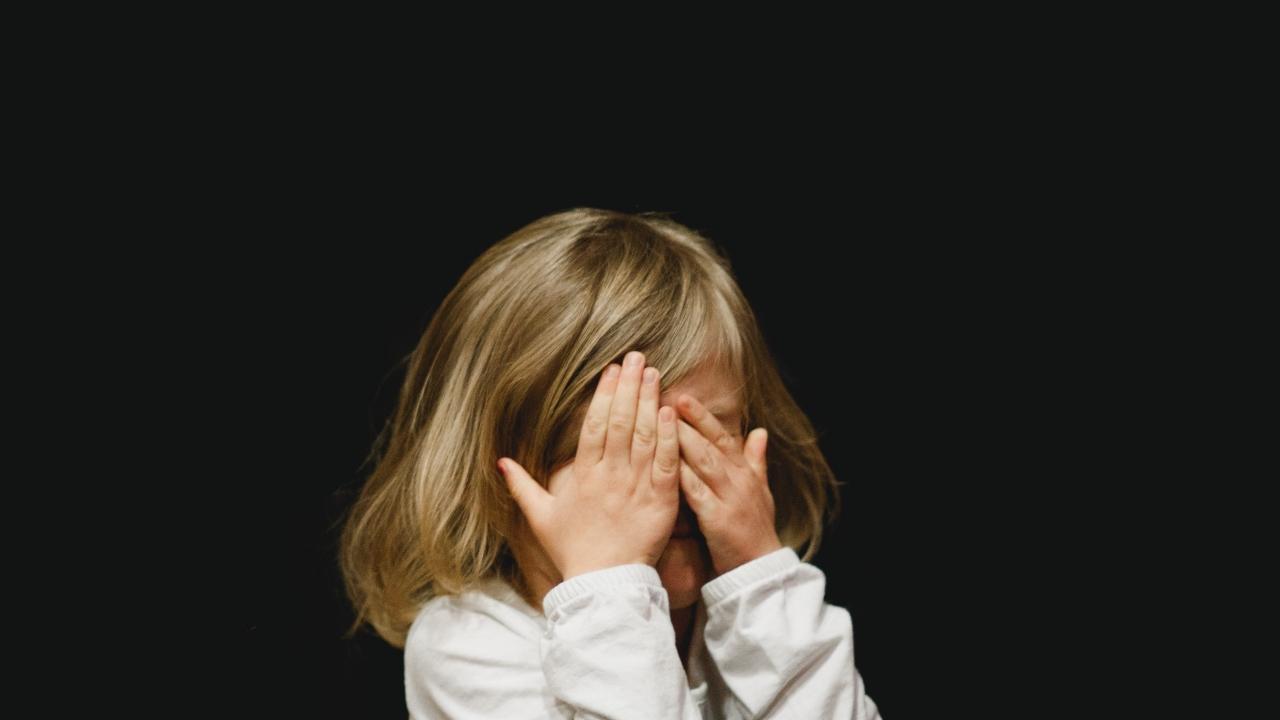 como enseñar consentimiento a niños y niñas