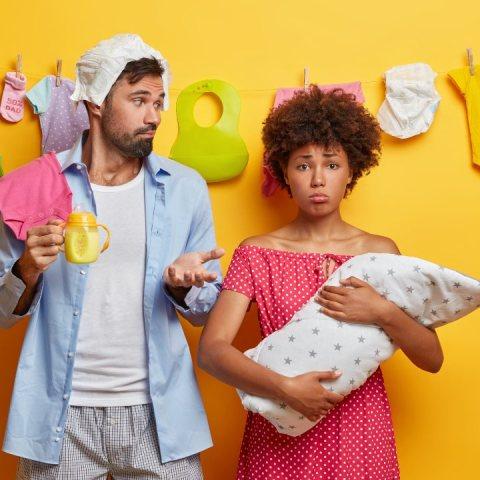 si te regalan ropa de bebe no te averguences