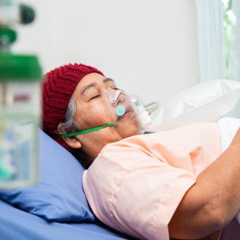 daños covid-19 provoca al hígado salud coronavirus
