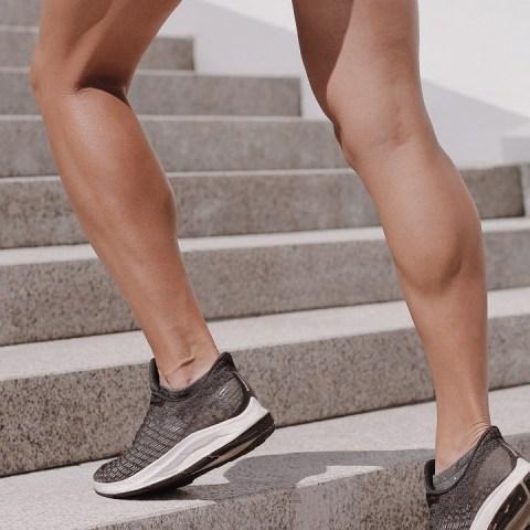 pantorrillas marcadas torneada fuertes ejercicio