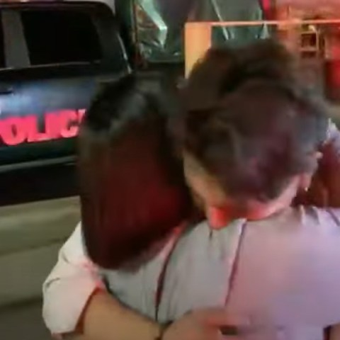 reencuentro madre e hijo tras accidente en la línea 12