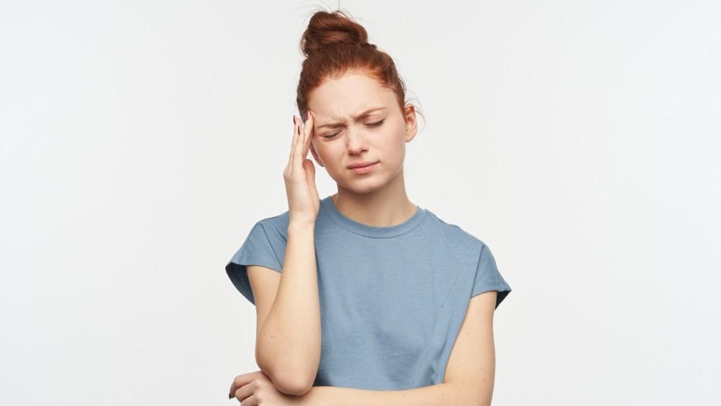 Duermes con el cabello amarrado es malo par el cuero