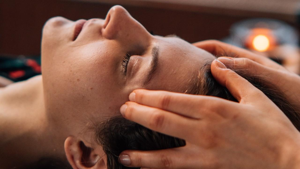 masaje facial antienvejecimiento