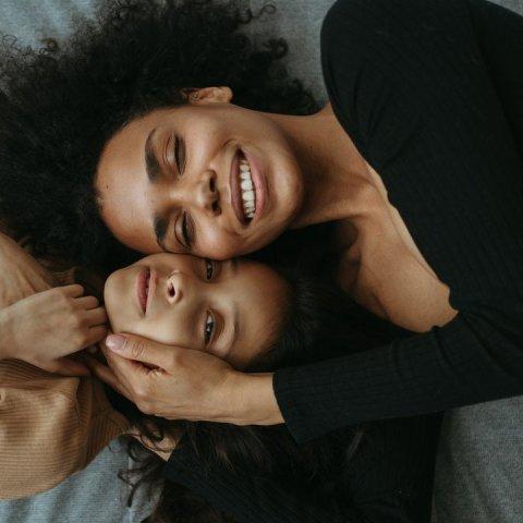 cómo enseñarle a tus hijas a no quedarse calladas