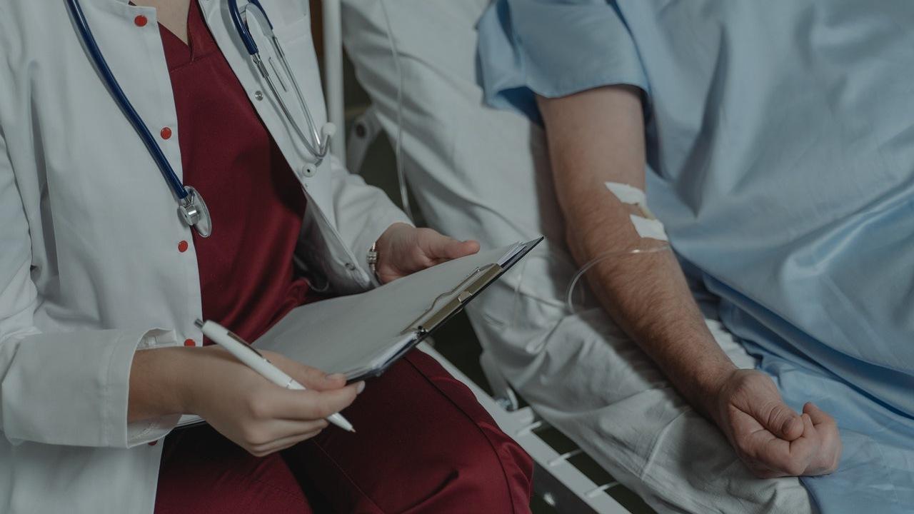 Hechizo para pedir por la salud de un enfermo solo necesitas una vela verde