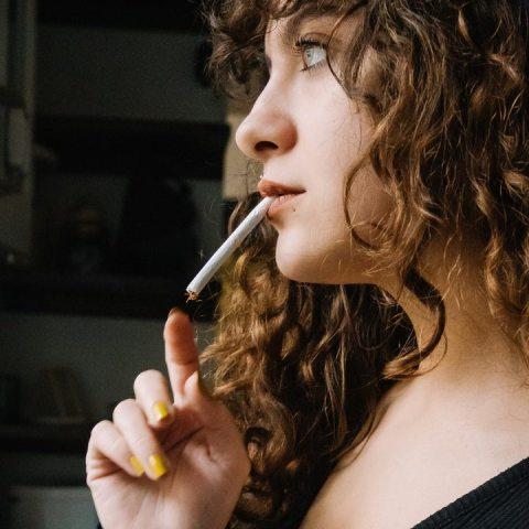 es posible fumar después de vacuna sputnik v contra covid-19