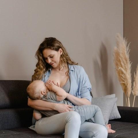 evita hacer comentario nueva madre de familia