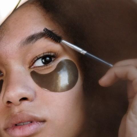 como recuperar grosor de tus cejas