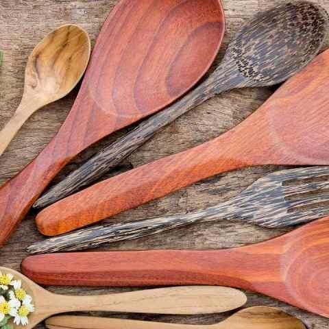 consejo para limpiar las cucharas de madera