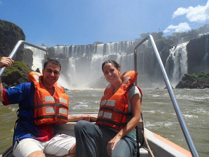 Viaje en lancha hacia las cascadas