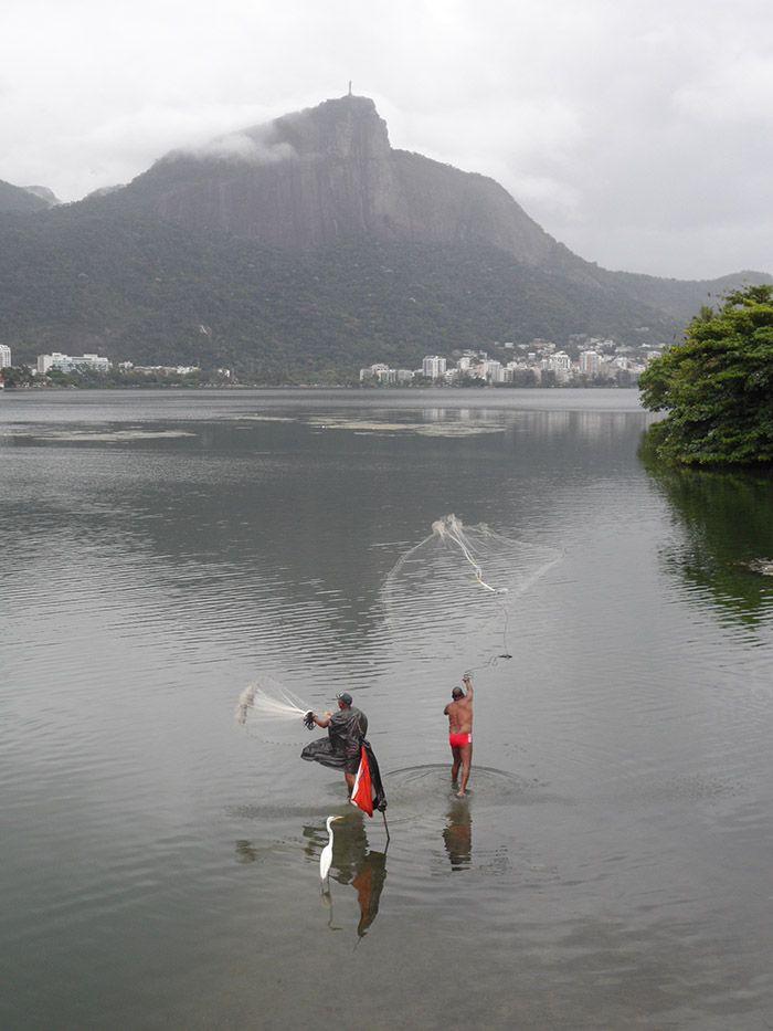 Pescadores en el Lago Rodrigo Freitas