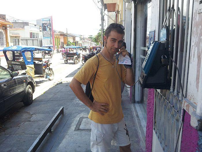 Llamando al Sr. Vela... ¡cuantos años sin utilizar una cabina!