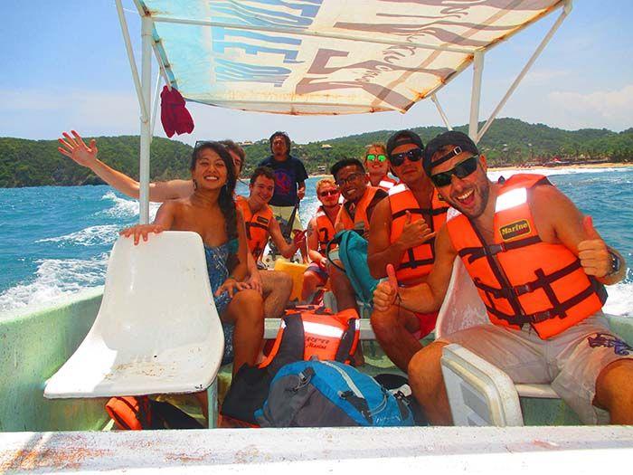 Pequeña excursión en barco para ver delfines y tortugas