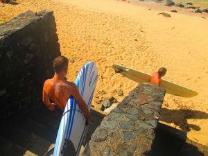Nada más pisar suelo hawaiano... ¡A SURFEAR!