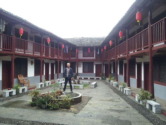 Yangshuo Dahutong Traditional Courtyard