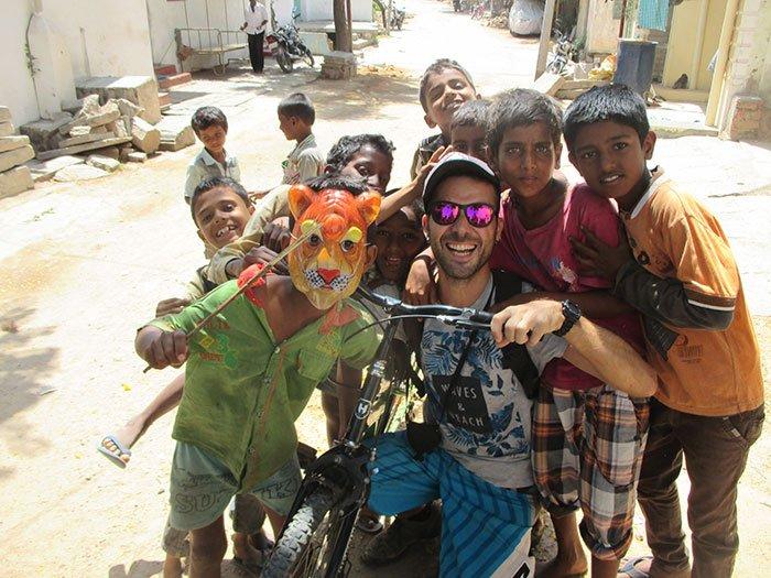Niños en la India, Hampi