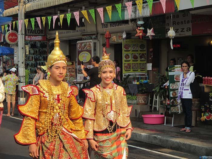 El Songkran tradicional en Chiang Mai Tailandia