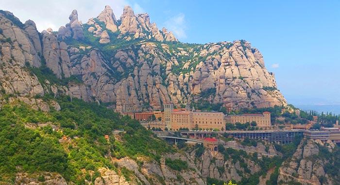 Excursiones de un día desde Barcelona. Excursión a Montserrat
