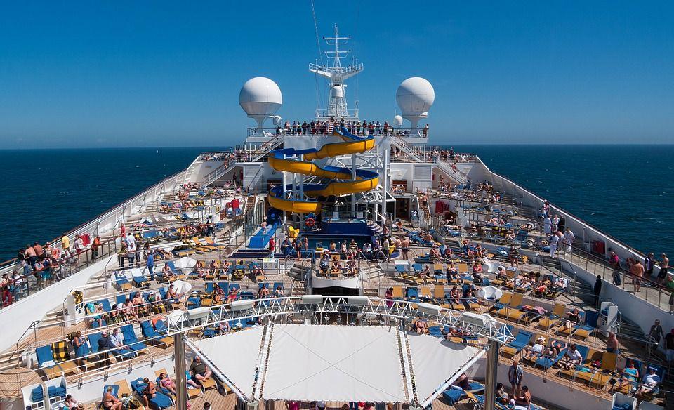 Trabajar por el mundo en un barco Tripulante de crucero