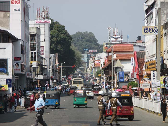 <Qué ver y qué hacer en Kandy srcset=