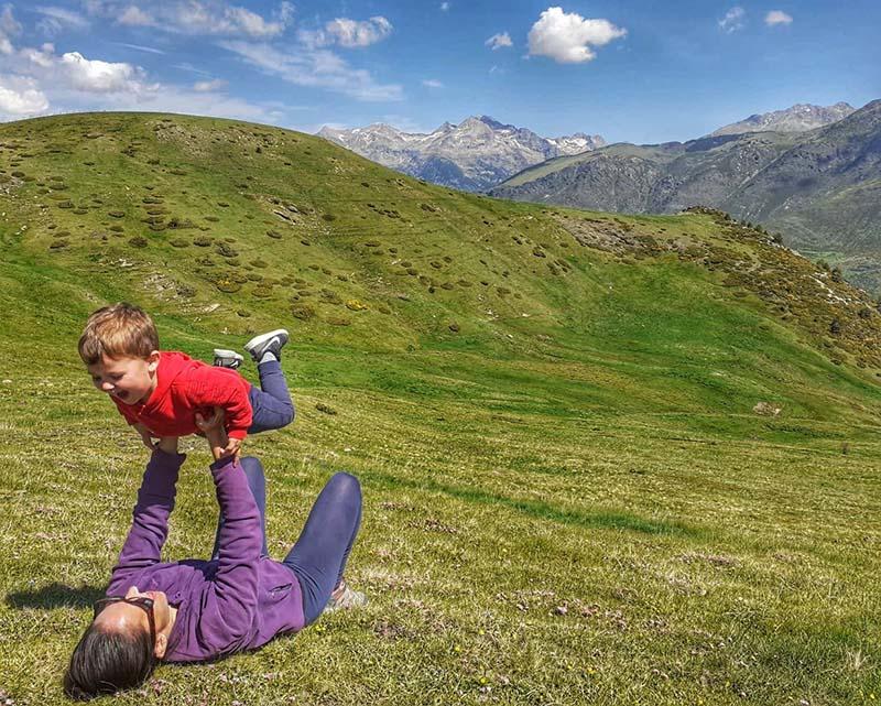 Madre nómada digital en el Pirineo