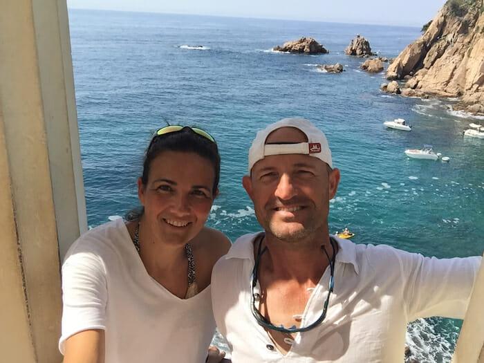 Primer plano de Raquel y Sergi de Viviravela en el Jardí Botánic de Marimutra