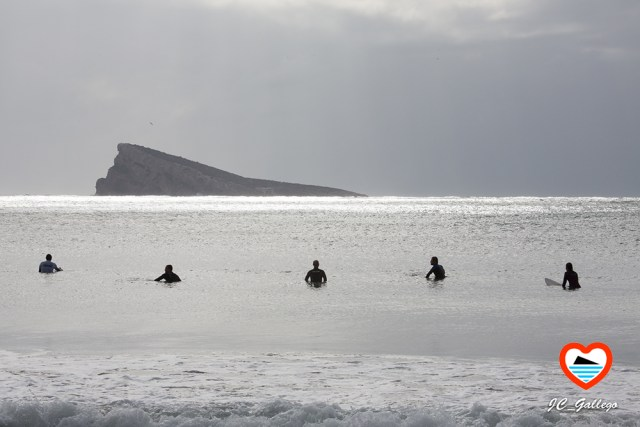 surf-en-benidorm-alicante-playa