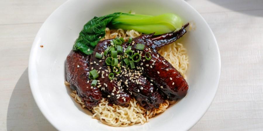 [台北美食]映港式茶餐廳|西門町美食~和髮廊結合的複合式港式點心 @VIVIYU小世界