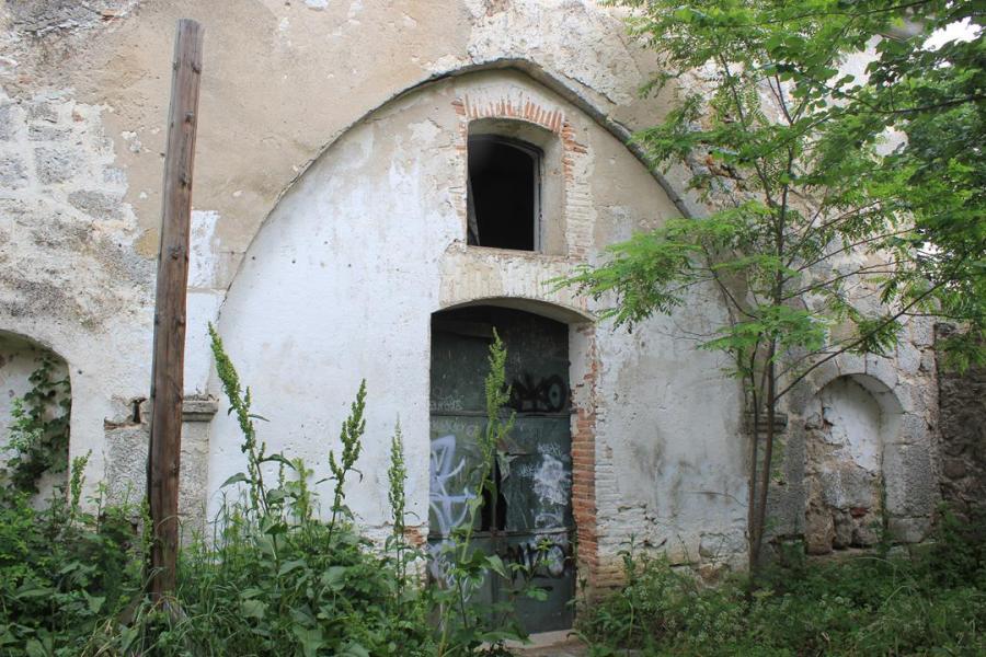 Iglesia de la exaltación de la santa cruz. Navalquejigo. El Escorial.