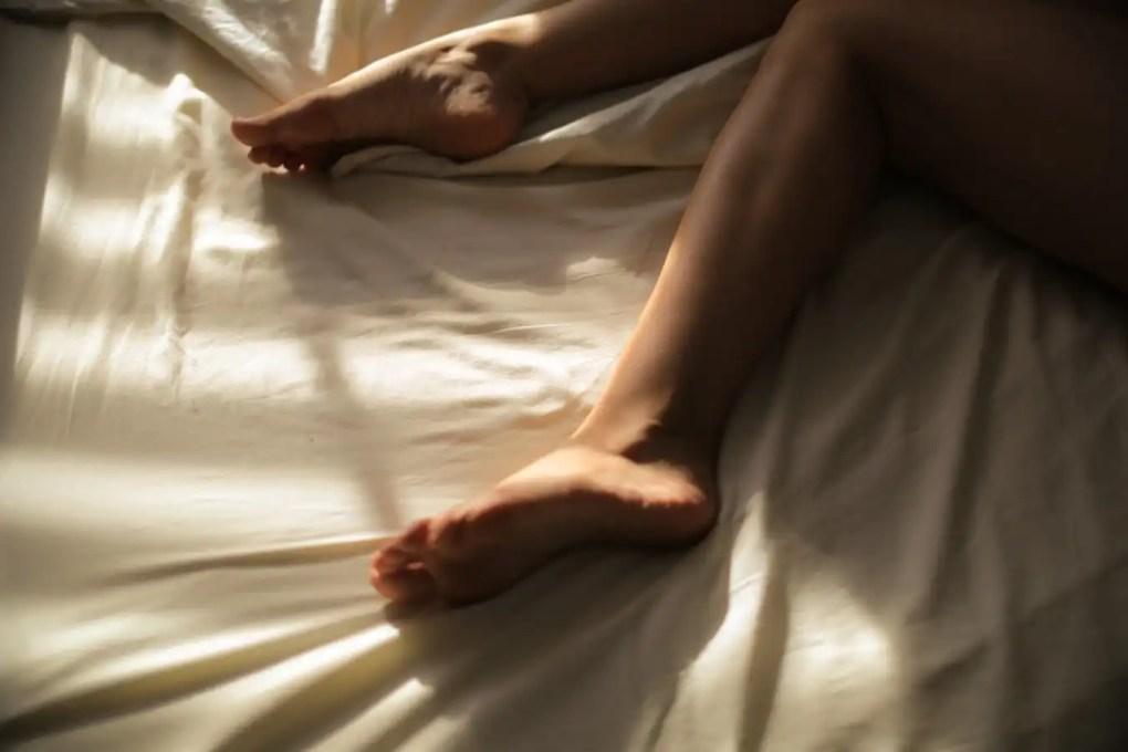 Essential Oils for Restless Leg Syndrome-Vivorific Health