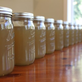 Homemade Chicken Broth - www.vixenskitchen.com