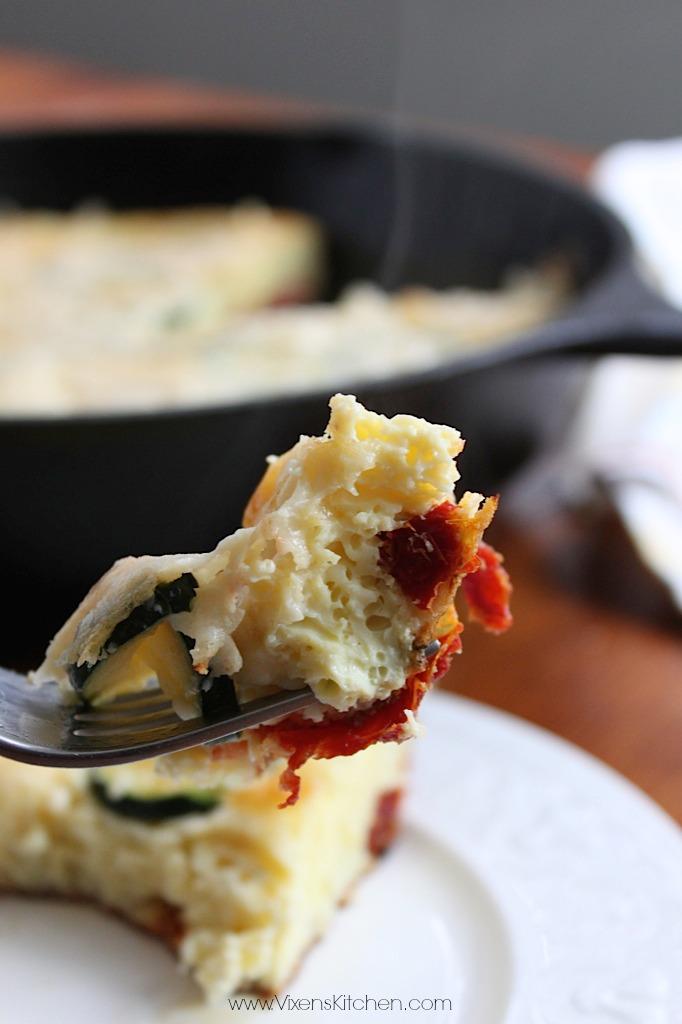 Zucchini & Sun-Dried Tomato Frittata - www.vixenskitchen.com