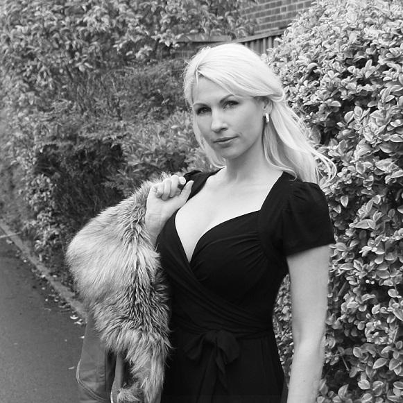 Joelle Dinnage, Award Winning Entrepreneur