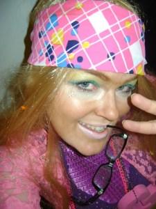 Carrie Gates as a ganguro girl