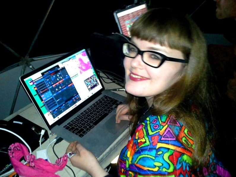 Carrie Gates VJing at Motion Notion Festival 2013 -Photo by Rae El