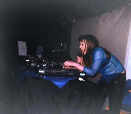 Carrie Gates - Live DJ set at the Plastic Puppet Motive (PPM) 6 Year Anniversary