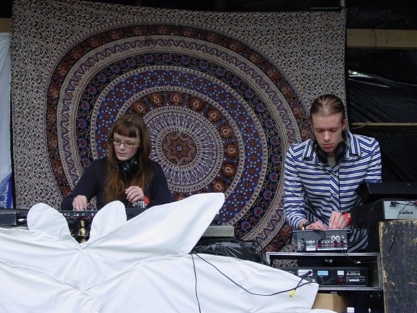 Carrie Gates and Jon Vaughn - Live at Connect, 2007. Photo by Anj Schroeder.