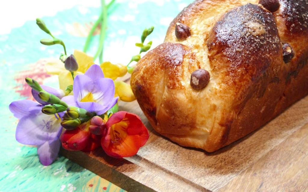 Козунак, замесен в хлебопекарна